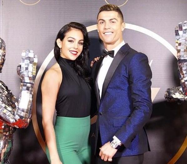 a0780fb0ba424 De férias com Ronaldo, Georgina responde à letra a quem a odeia ...