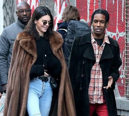 casaco de pele   Sarah Leão