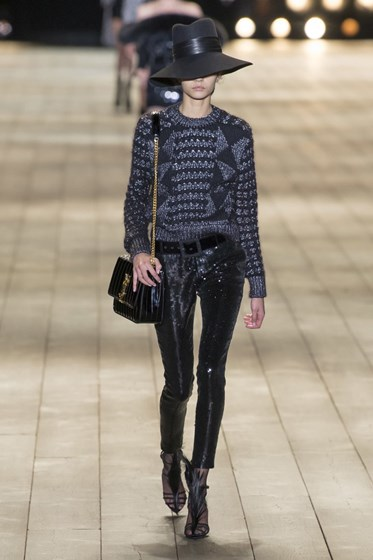 As propostas Saint Laurent para os dias mais frios