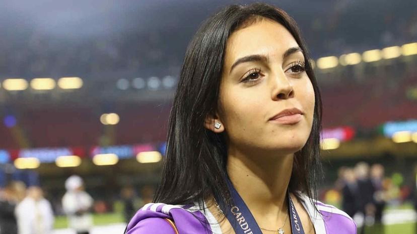 da400cbd291ba ... Cristiano Ronaldo e Georgina Rodriguez Georgina Rodríguez reage às  críticas sobre as suas ...