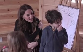 Kate Middleton ignorada em visita oficial